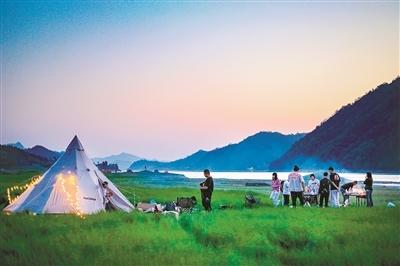 千岛湖畔露营.jpg